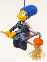 """Obrázek """"http://www.cuddlycollectibles.com/Movies%20and%20Television/The%20Simpsons/44779halloweenbroomMarge.jpg"""" nelze zobrazit, protože obsahuje chyby."""